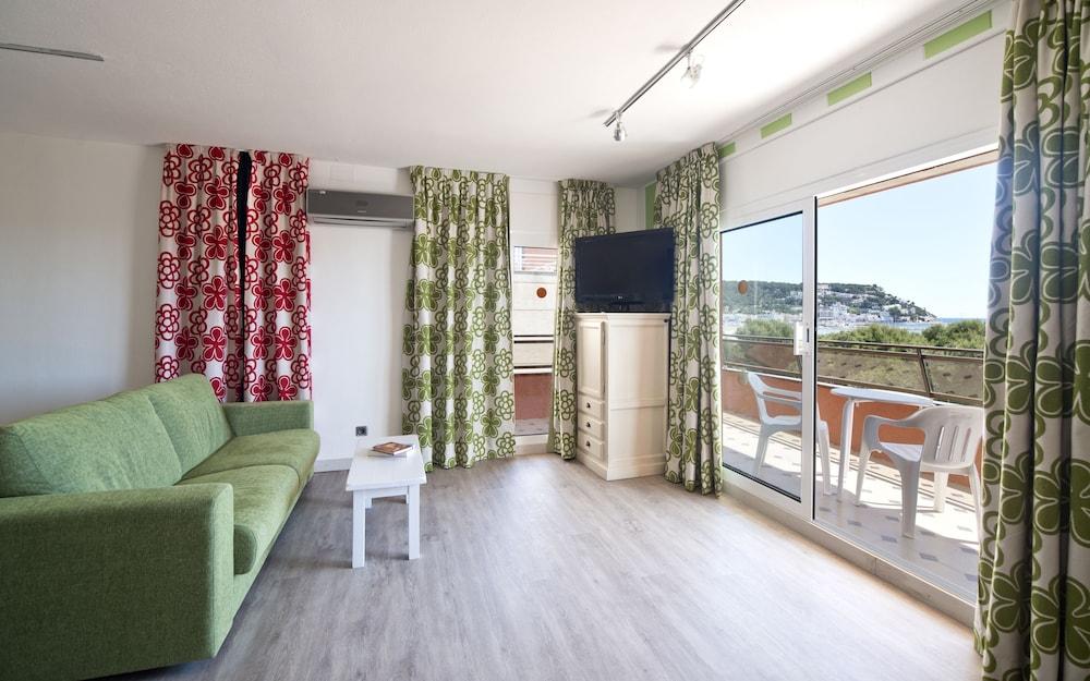 사예스 비치(Sallés Beach) Hotel Image 2 - Guestroom