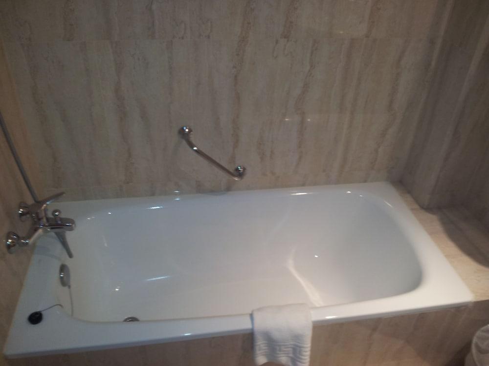 호텔 프리마베라(Hotel Primavera) Hotel Image 15 - Bathroom