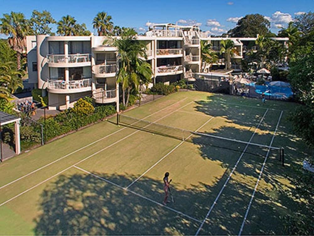 누사 퍼시픽 리조트(Noosa Pacific Resort) Hotel Image 78 - Tennis Court