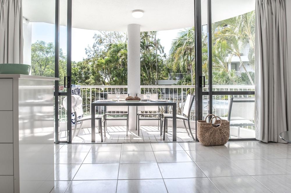 누사 퍼시픽 리조트(Noosa Pacific Resort) Hotel Image 88 - Living Area
