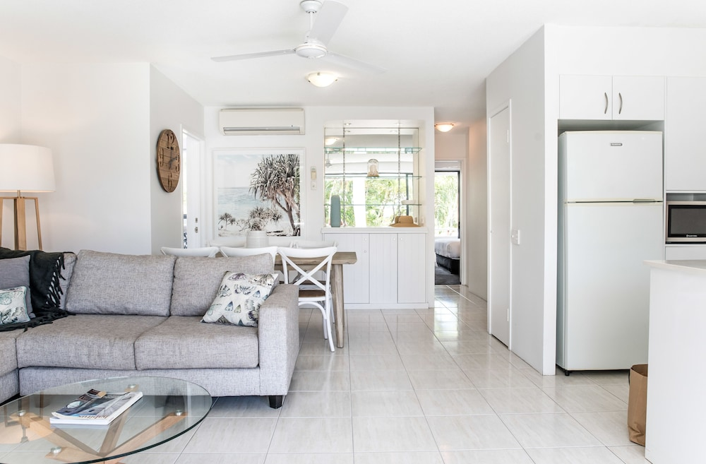 누사 퍼시픽 리조트(Noosa Pacific Resort) Hotel Image 48 - Living Area