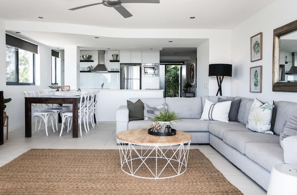 누사 퍼시픽 리조트(Noosa Pacific Resort) Hotel Image 49 - Living Area