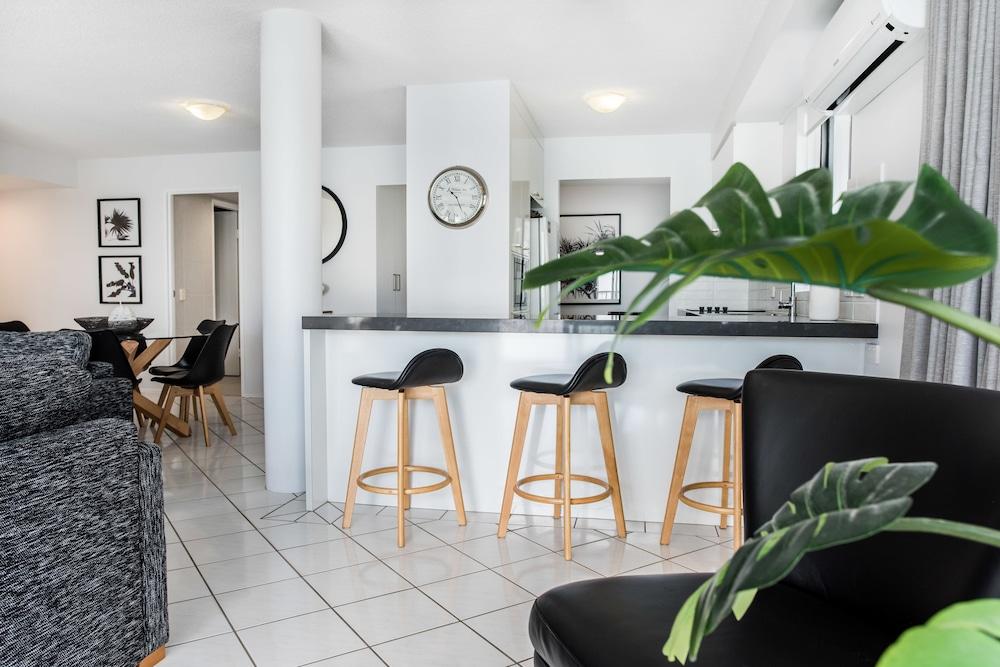 누사 퍼시픽 리조트(Noosa Pacific Resort) Hotel Image 50 - Living Area