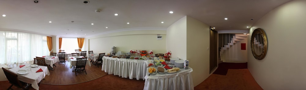 더 럭스 부티크 호텔(The Luxx Boutique Hotel) Hotel Thumbnail Image 19 - Breakfast Area