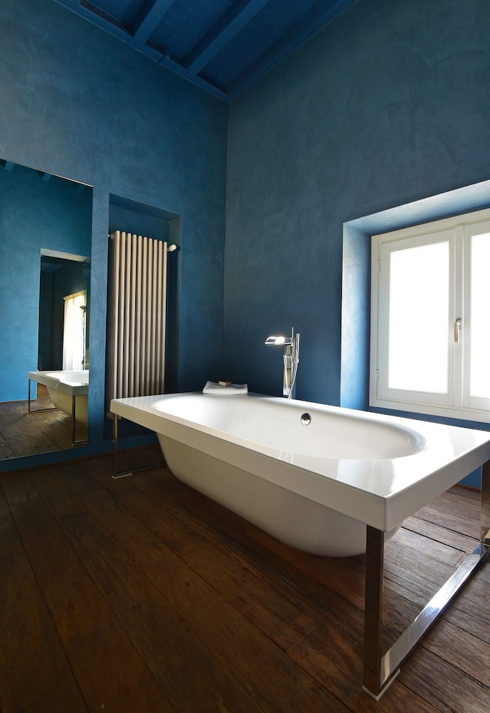 팔라초 세그레티(Palazzo Segreti) Hotel Thumbnail Image 37 - Bathroom Sink