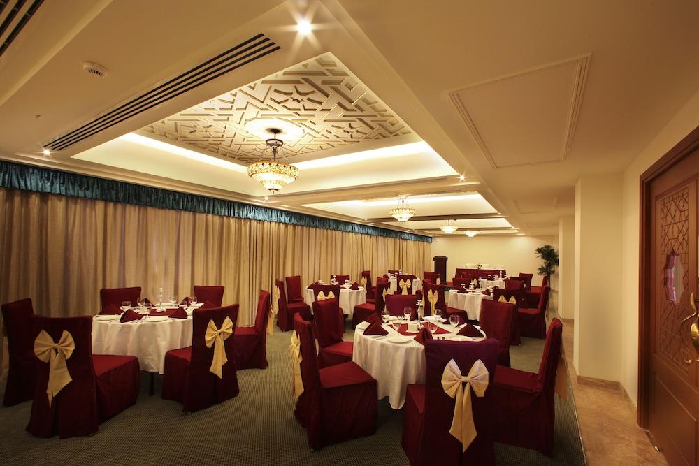 플래티넘 호텔(Platinum Hotel) Hotel Image 37 - Banquet Hall