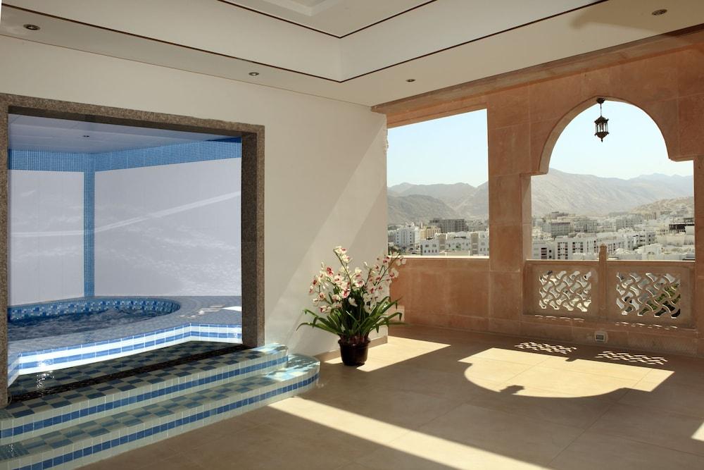 플래티넘 호텔(Platinum Hotel) Hotel Image 46 - Indoor Spa Tub