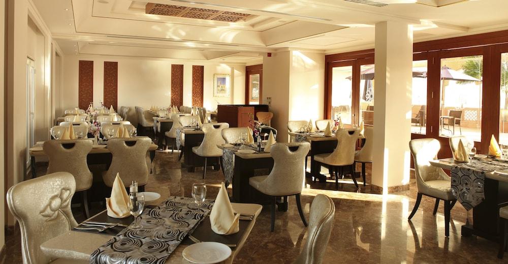 플래티넘 호텔(Platinum Hotel) Hotel Image 29 - Restaurant