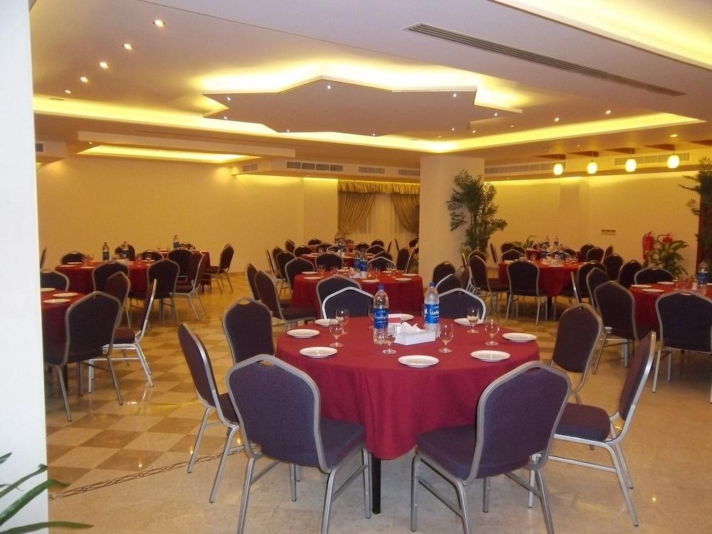 플래티넘 호텔(Platinum Hotel) Hotel Image 38 - Banquet Hall