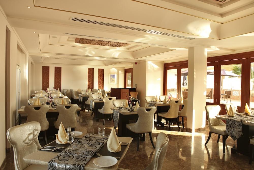 플래티넘 호텔(Platinum Hotel) Hotel Image 31 - Restaurant