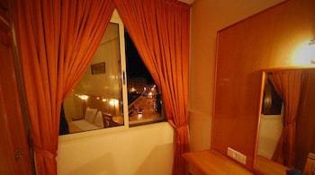 호텔 라 페를라(Hotel La Perla) Hotel Image 3 - Guestroom