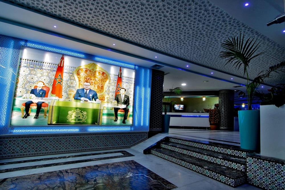 호텔 라 페를라(Hotel La Perla) Hotel Image 1 - Lobby