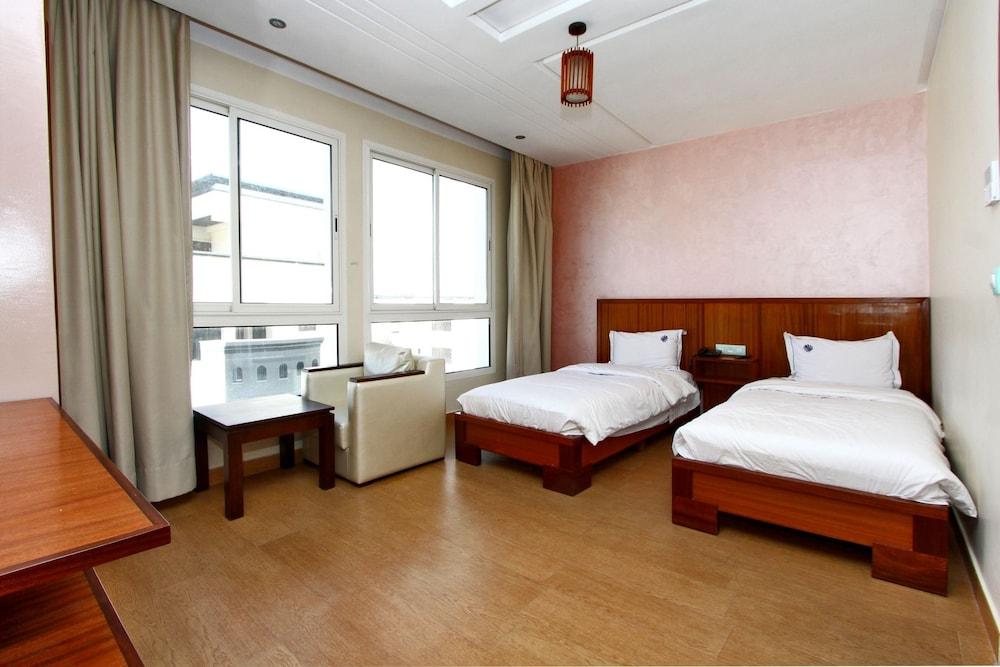호텔 라 페를라(Hotel La Perla) Hotel Image 12 - Guestroom