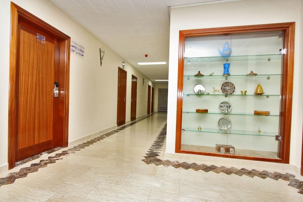 호텔 라 페를라(Hotel La Perla) Hotel Image 2 - Lobby