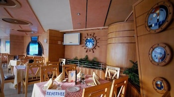 호텔 라 페를라(Hotel La Perla) Hotel Image 23 - Restaurant