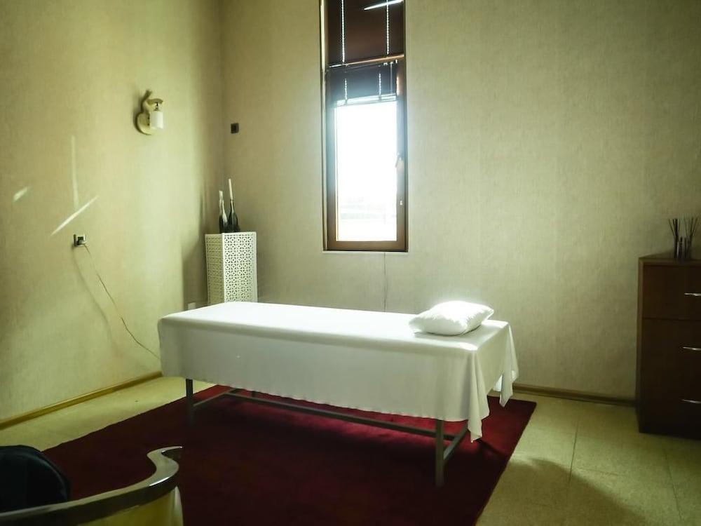모노리트 플라자(Monolit Plaza) Hotel Image 31 - Massage