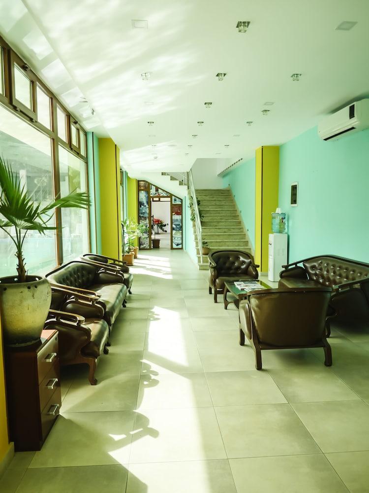 모노리트 플라자(Monolit Plaza) Hotel Image 28 - Fitness Studio