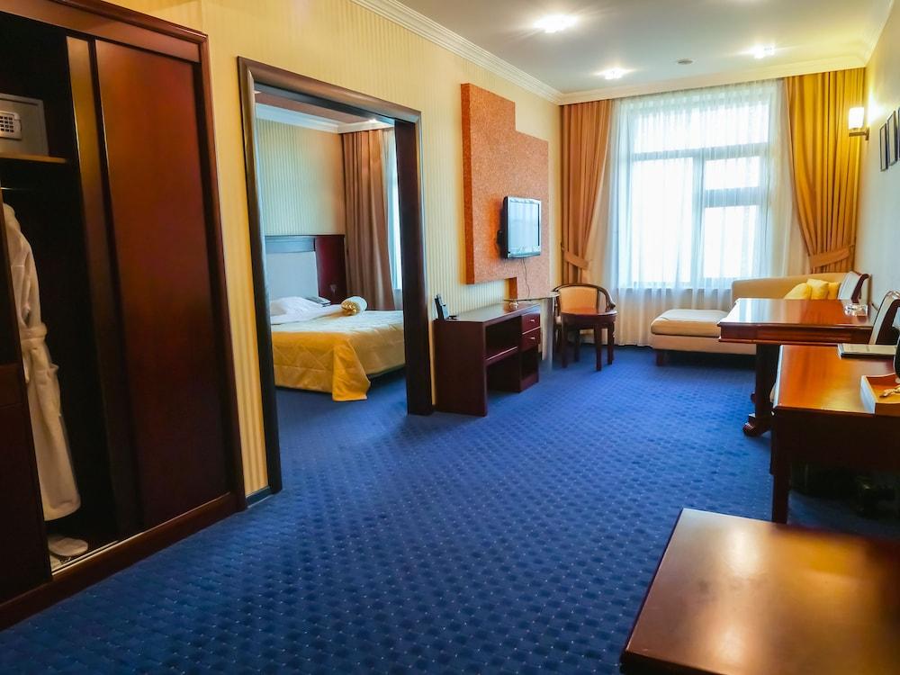 모노리트 플라자(Monolit Plaza) Hotel Image 12 - Living Room