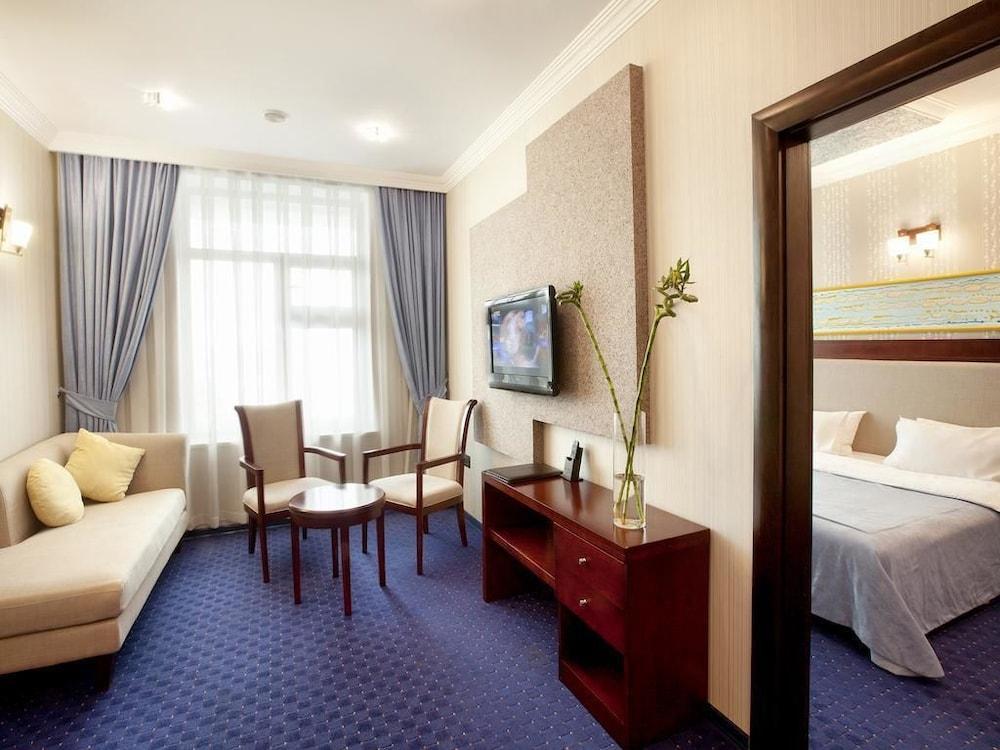 모노리트 플라자(Monolit Plaza) Hotel Image 13 - Living Room