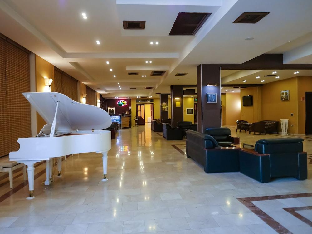 모노리트 플라자(Monolit Plaza) Hotel Image 1 - Lobby