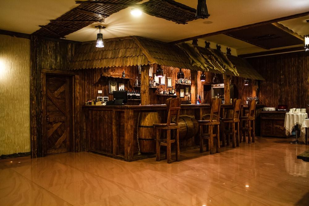 모노리트 플라자(Monolit Plaza) Hotel Image 38 - Hotel Bar