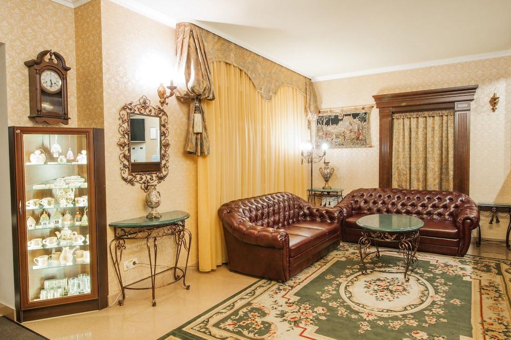 팔라조 프레미에르 호텔(Palazzo Premier Hotel) Hotel Image 3 - Lobby Sitting Area