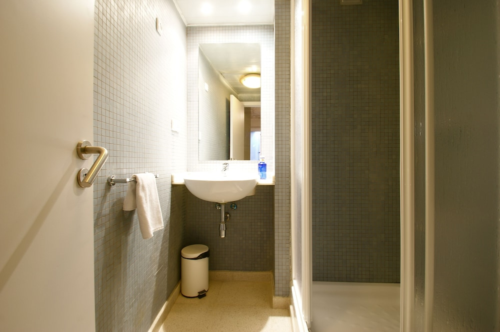 SSG 보르네 로프츠(SSG Borne Lofts) Hotel Image 1 - Bathroom
