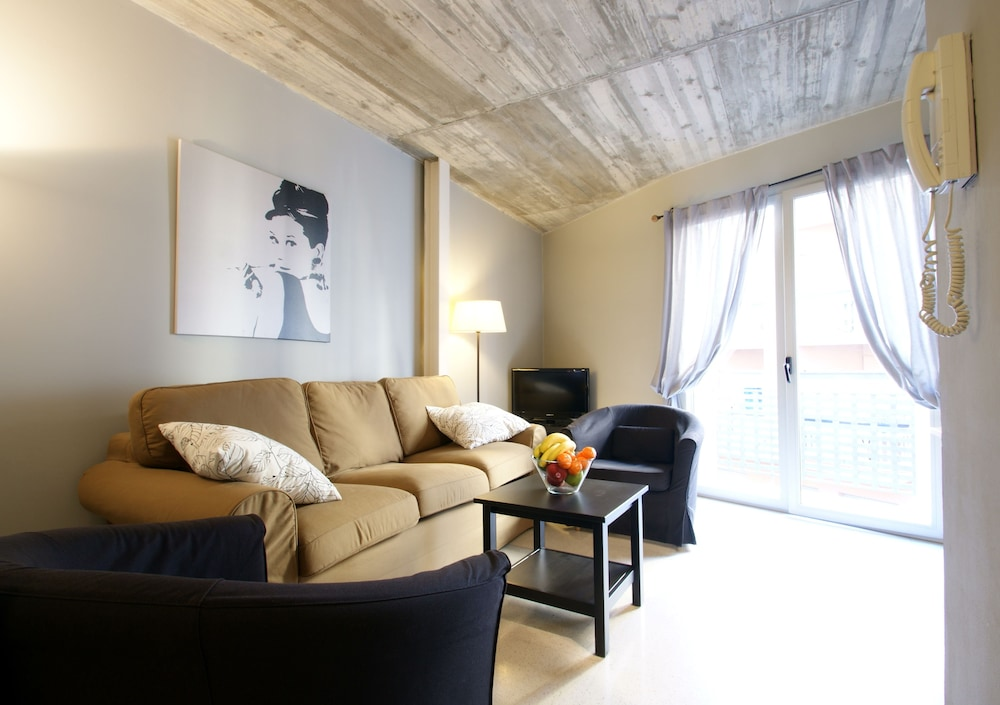 SSG 보르네 로프츠(SSG Borne Lofts) Hotel Image 12 - Living Area
