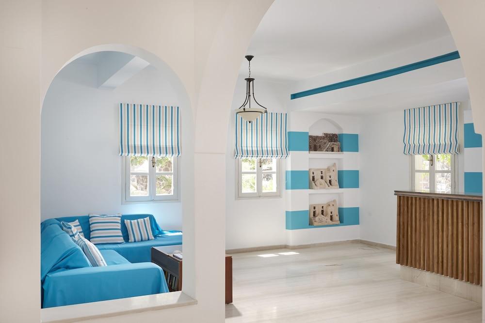 테라 블루 산토리니(Terra Blue Santorini) Hotel Image 35 - Hallway