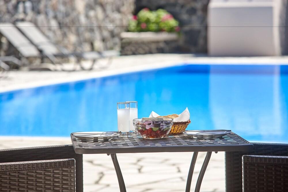 테라 블루 산토리니(Terra Blue Santorini) Hotel Image 34 - Poolside Bar
