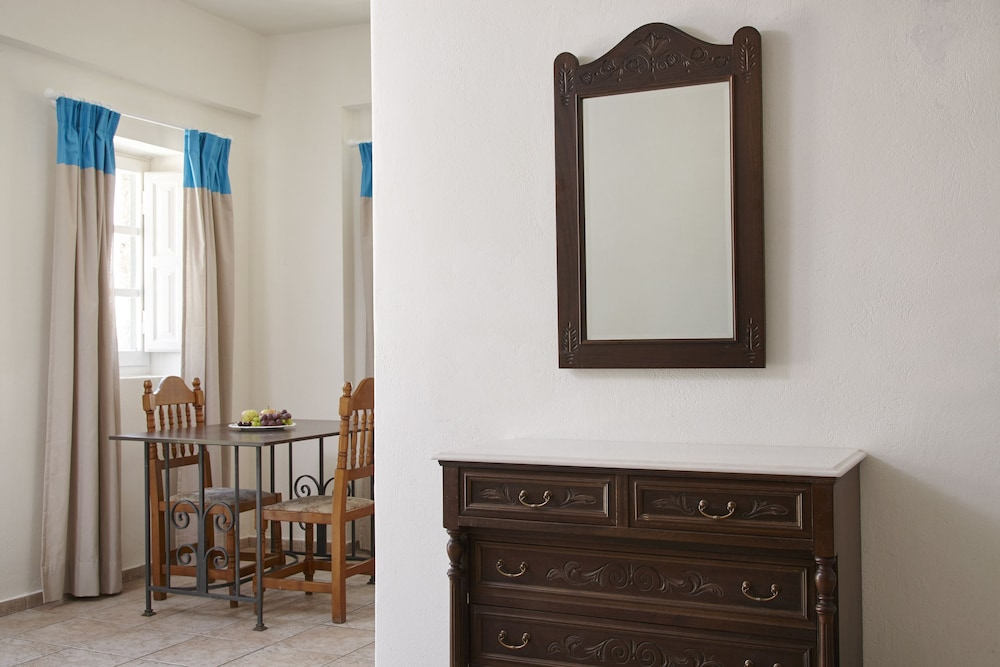테라 블루 산토리니(Terra Blue Santorini) Hotel Image 7 - Guestroom