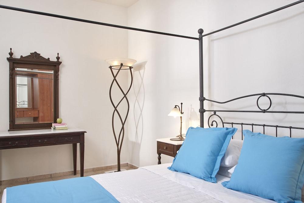 테라 블루 산토리니(Terra Blue Santorini) Hotel Image 12 - Guestroom
