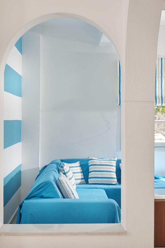 테라 블루 산토리니(Terra Blue Santorini) Hotel Image 36 - Hallway