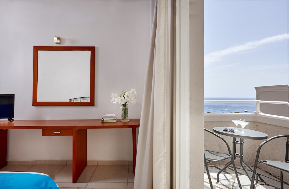 테라 블루 산토리니(Terra Blue Santorini) Hotel Image 16 - Guestroom View