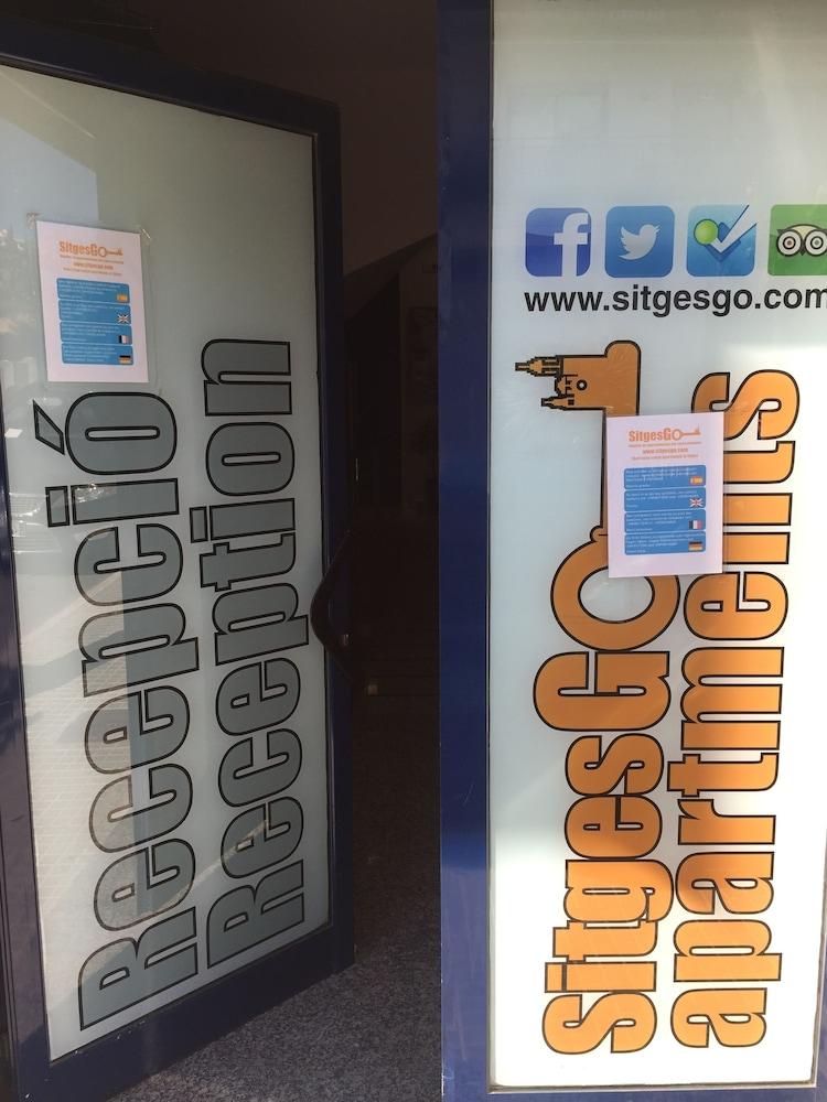 시트헤스고 아파트먼트(SitgesGO Apartments) Hotel Image 3 - Reception