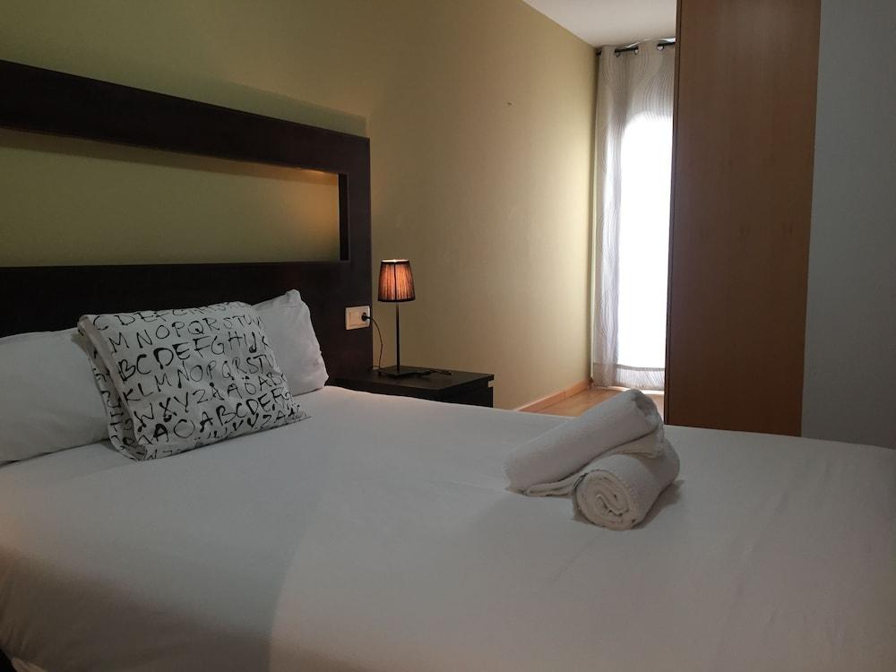 시트헤스고 아파트먼트(SitgesGO Apartments) Hotel Image 7 - Guestroom