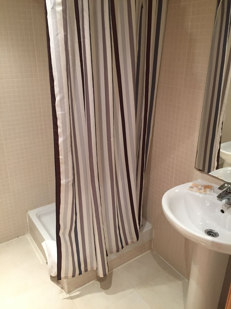 시트헤스고 아파트먼트(SitgesGO Apartments) Hotel Image 46 - Bathroom