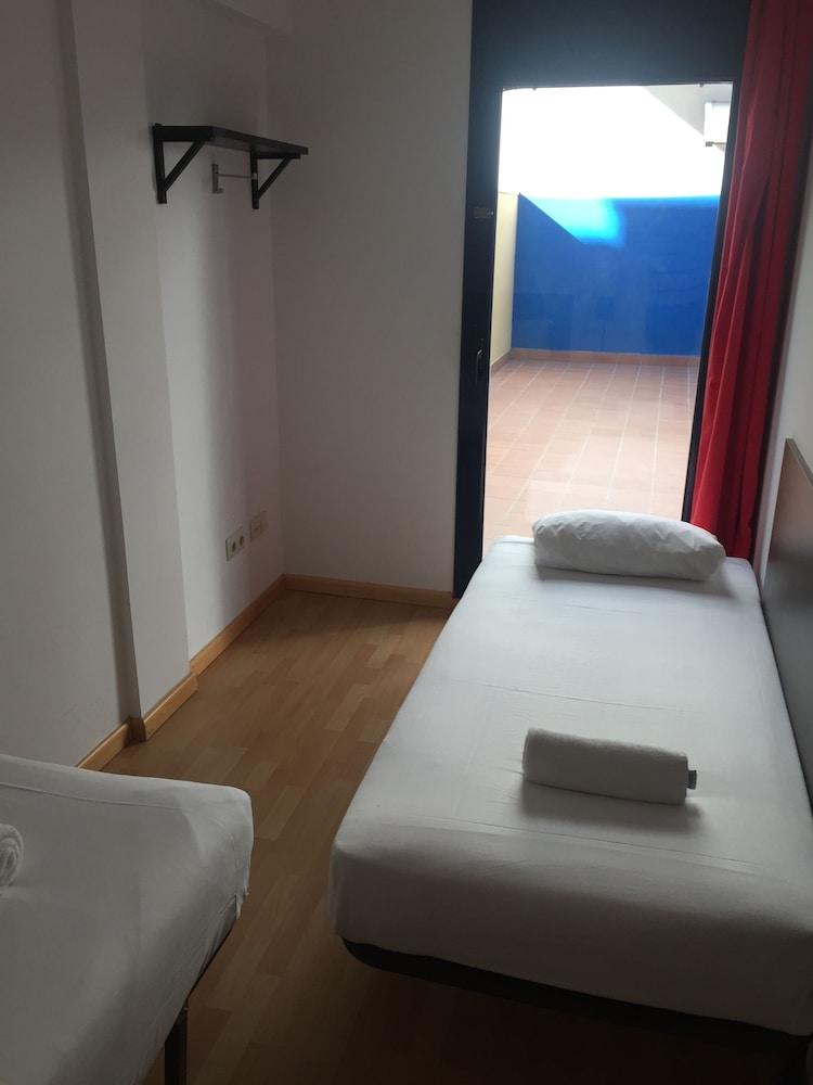 시트헤스고 아파트먼트(SitgesGO Apartments) Hotel Image 12 - Guestroom