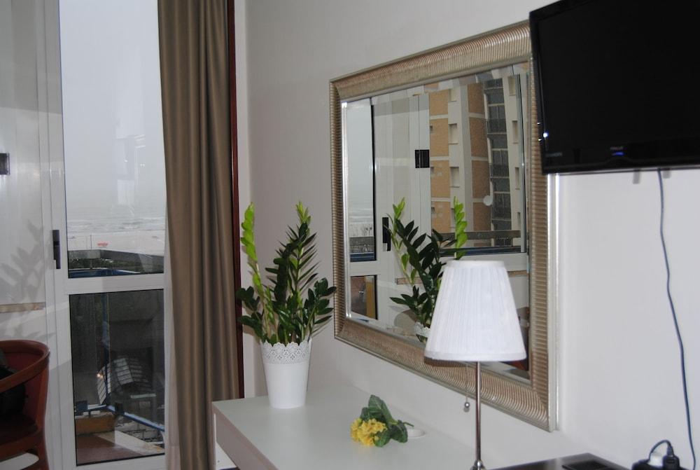 호텔 라 페를라(Hotel La Perla) Hotel Image 21 - In-Room Amenity