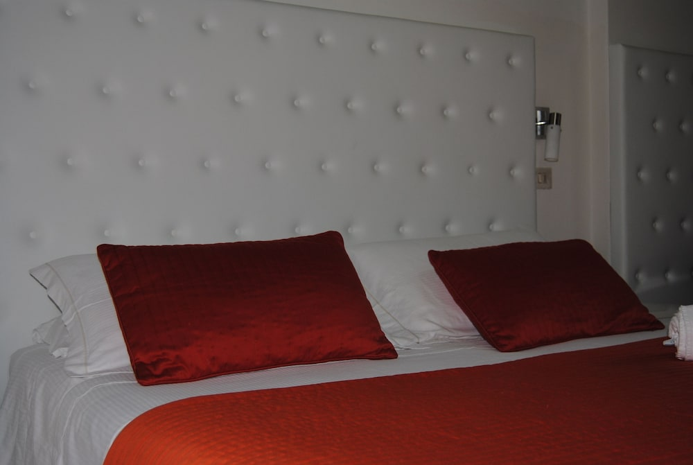 호텔 라 페를라(Hotel La Perla) Hotel Image 4 - Guestroom