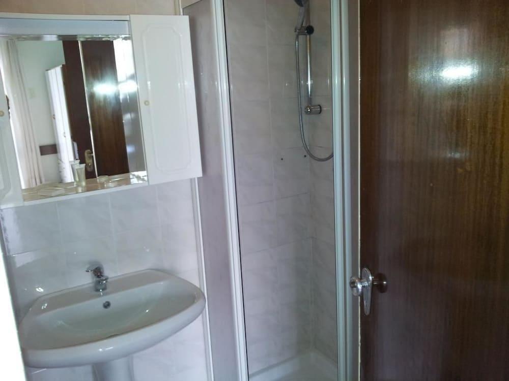 호텔 라 페를라(Hotel La Perla) Hotel Image 26 - Bathroom