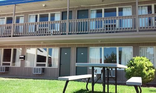 . Motel Oasis Inn