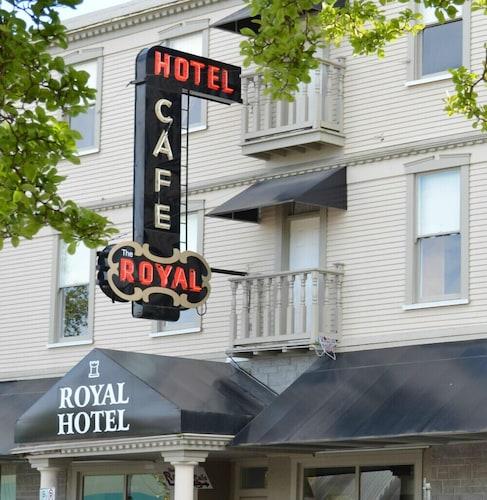 . Royal Hotel