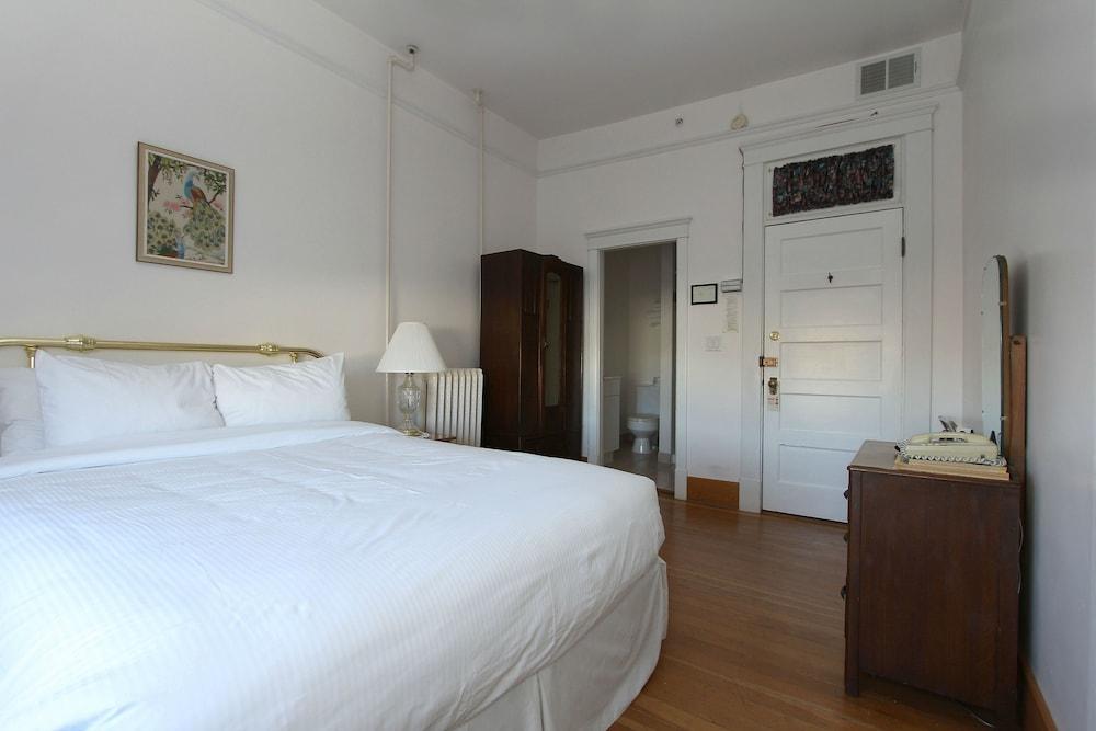 로열 호텔(Royal Hotel) Hotel Image 20 - Guestroom