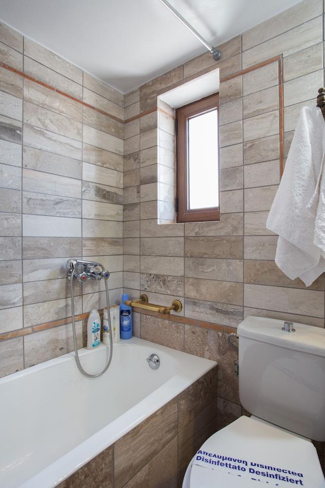 아크타이온 호텔(Aktaion Hotel) Hotel Image 32 - Bathroom