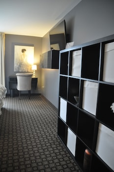 Family Suite, 1 Queen Bed with Sofa bed, Accessible, Kitchen