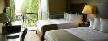 Standard Room, 2 Queen Beds, Balcony