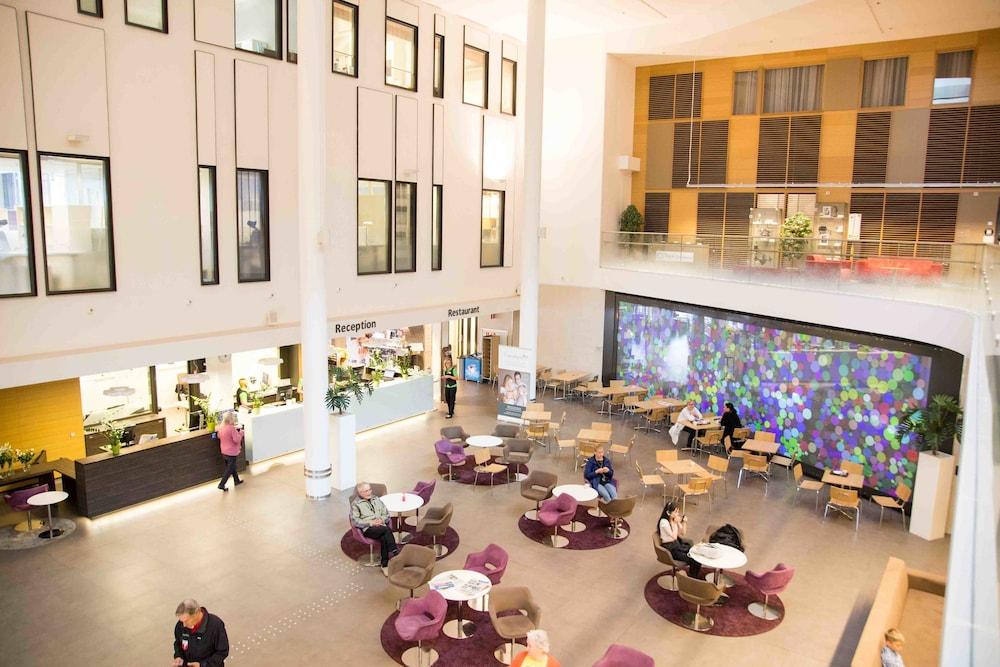 놀란디아 케어 탬피어 호텔(Norlandia Care Tampere Hotel) Hotel Image 1 - Lobby Sitting Area