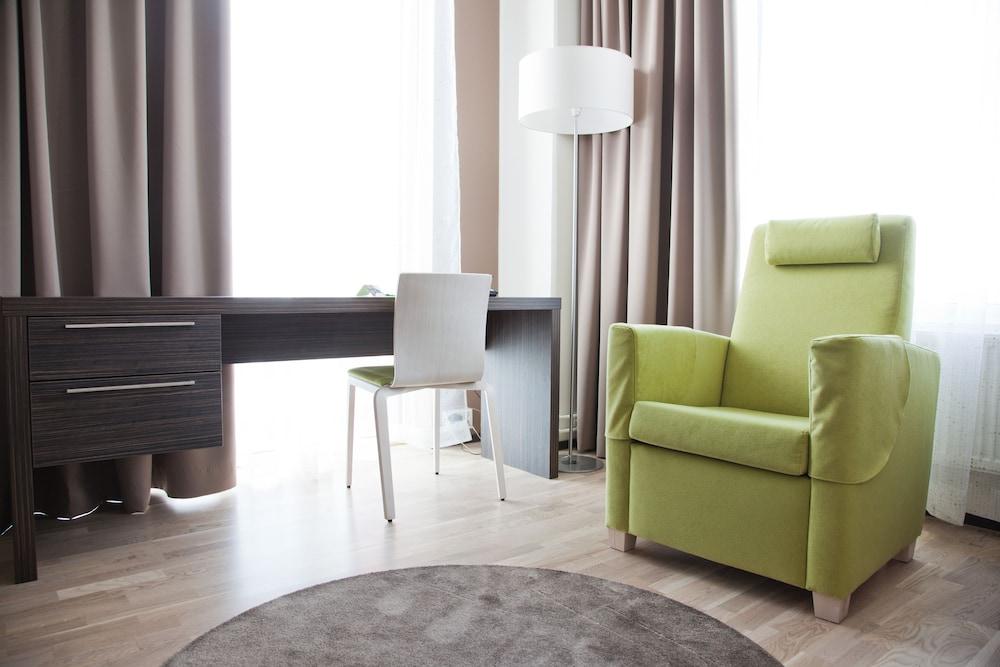 놀란디아 케어 탬피어 호텔(Norlandia Care Tampere Hotel) Hotel Image 7 - Living Area
