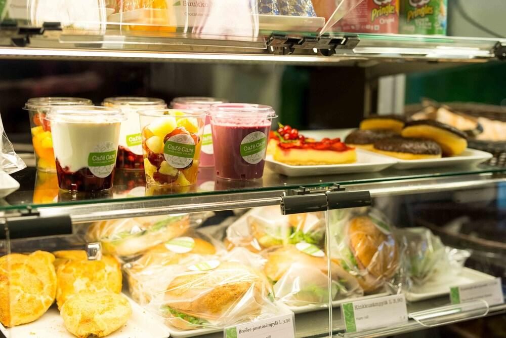 놀란디아 케어 탬피어 호텔(Norlandia Care Tampere Hotel) Hotel Image 18 - Breakfast Meal